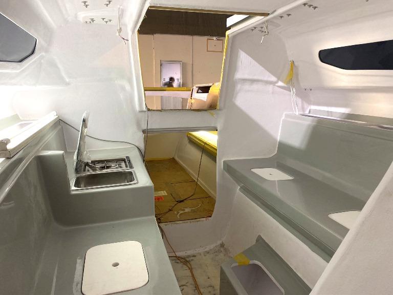 Corsair-880-interior